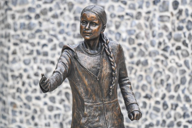 У Британії з'явився пам'ятник Греті Тунберг (фото)