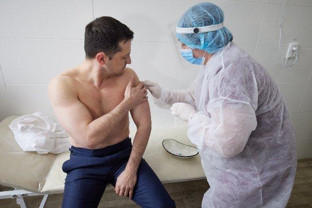 Зеленський підписав план COVID-вакцинації. Він передбачає щеплення більшості дорослих до кінця 2021-го