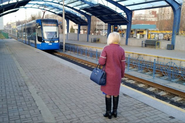 Корки на дорогах, порожнє метро і таксі в 2-3 рази дорожче — в Києві почався локдаун