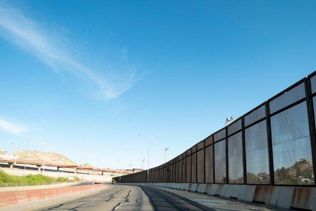 США платитимуть країнам Центральної Америки, аби припинити незаконну міграцію
