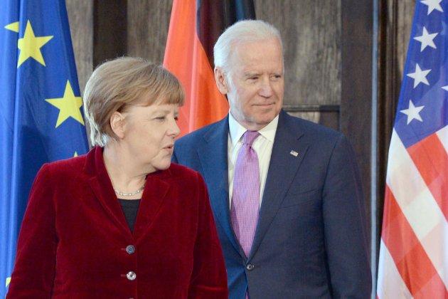 Меркель і Байден закликали Росію скоротити нарощення військ