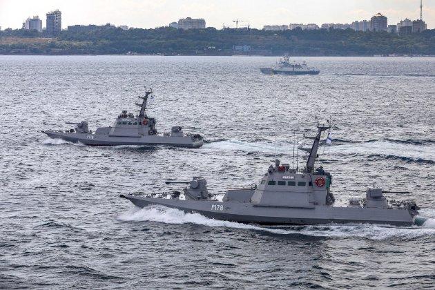 Кораблі ФСБ Росії влаштували провокацію на Азовському морі — експерт