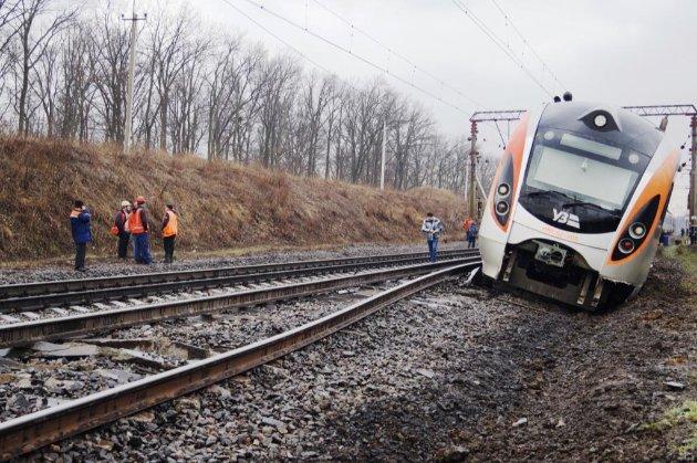 Через сходження потяга «Інтерсіті» звільнять шістьох керівників Придніпровської залізниці