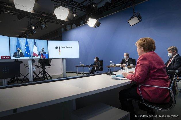 Лідери України, Німеччини і Франції закликали Путіна відвести війська