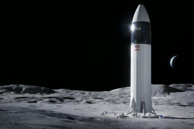 НАСА обрала ракету Ілона Маска для відправки американців на Місяць