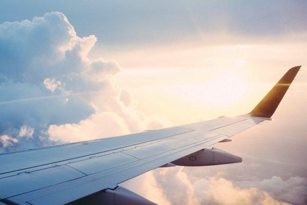 США рекомендують авіакомпаніям обережно літати над Україною й РФ