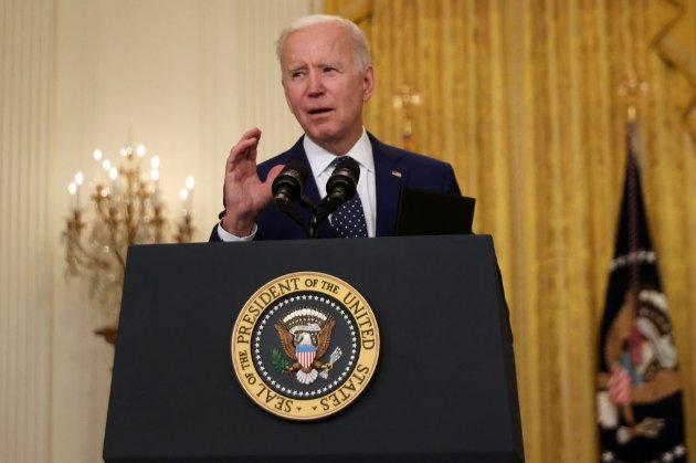 Байден обіцяє збільшити ліміт США на прийом біженців