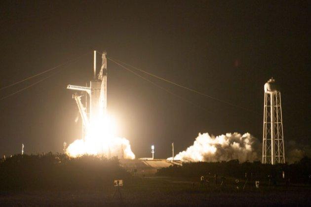 SpaceX вперше повторно використала першу ступінь і корабель Crew Dragon для відправки астронавтів