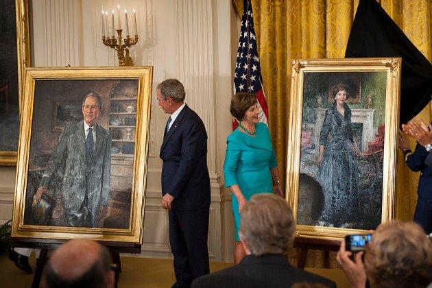 43-й президент США Джордж Буш-молодший на пенсії малює картини й видав уже другу книгу