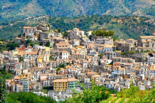 Мальовниче містечко на Сицилії розпродає будинки від €1