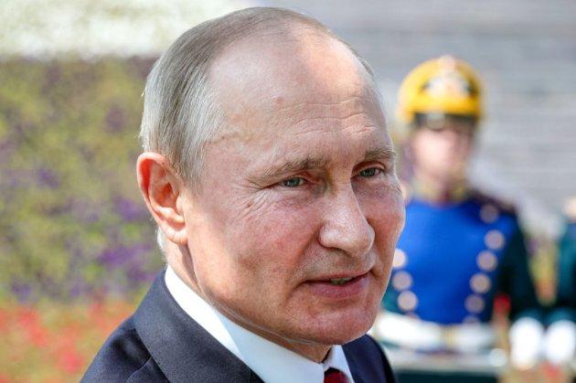Путін готовий розмовляти з Зеленським, але не про Донбас — Пєсков