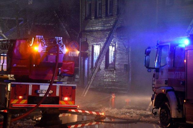 У Латвії при пожежі в хостелі загинули восьмеро людей