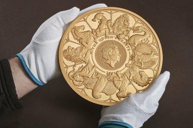 Королівський монетний двір Британії випустив десятикілограмову монету (відео)