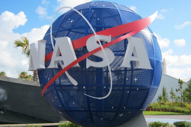 НАСА призупинила контракт зі SpaceX майже на $3 млрд
