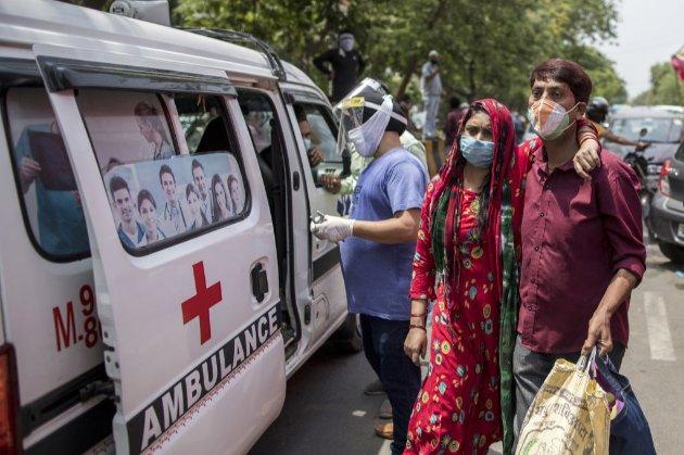 Вчені попереджали владу Індії про небезпечну мутацію COVID-19, їх проігнорували – Reuters