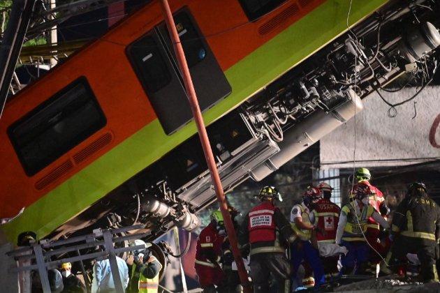 Десятки загиблих. У Мехіко обвалився міст метро разом з поїздом