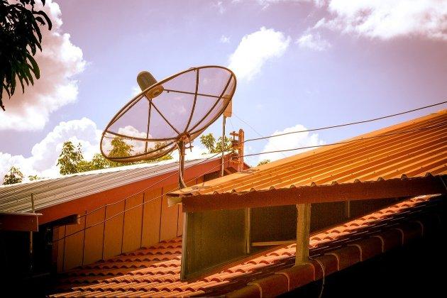 У Мьянмі військова хунта заборонила супутникові тарілки