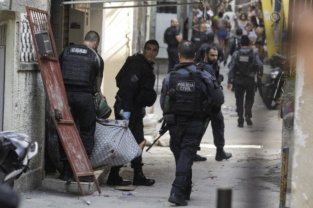 У Ріо-де-Жанейро поліція провела спецоперацію проти наркоторгівців, загинули 25 людей