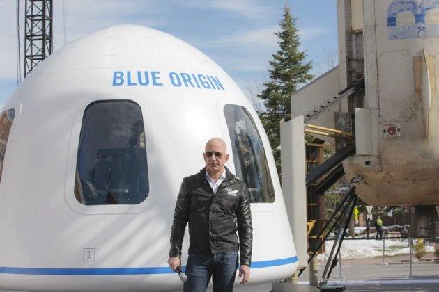 Безос продав акцій Amazon на $2,5 млрд, аби розвивати аерокосмічну компанію Blue Origin