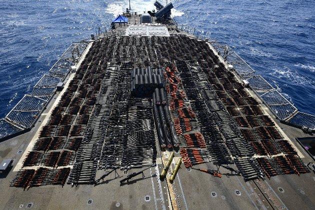Військові США затримали судно з партією російської зброї на борту