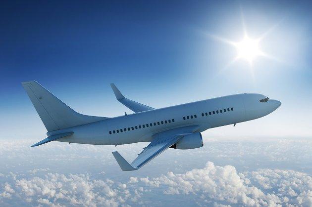 У літаку до Домінікани українці роздряпали обличчя і відгризли ніготь (фото 18+)