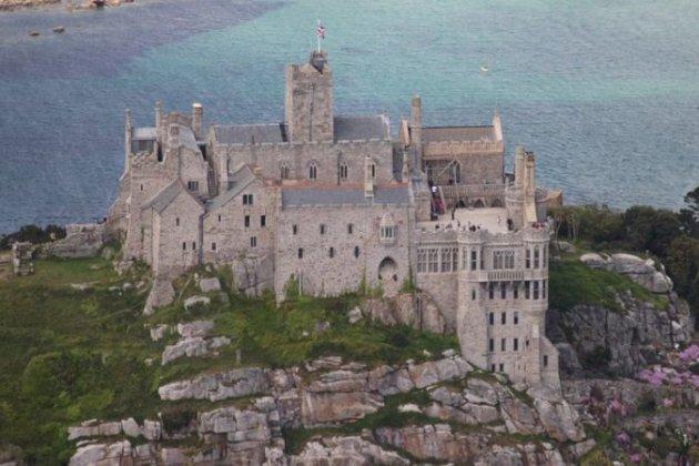 У давній замок на острові шукають охоронця. З морською хворобою — не подаватися