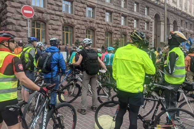 У 2020-му на дорогах України загинуло 235 велосипедистів, у поточному — 36. Головні причини (інфографіка)