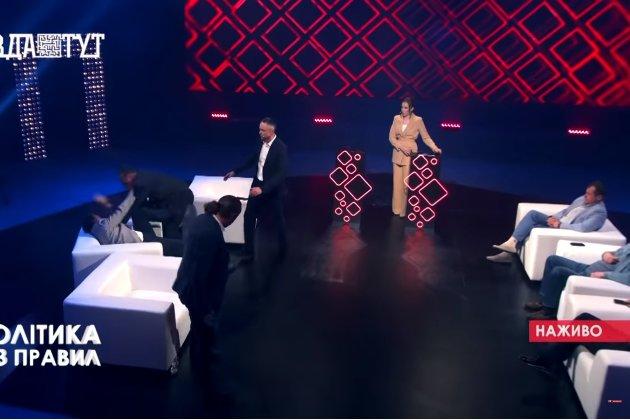 «Бидло зелене». Колишній нардеп Барна побився зі «слугою народу» в прямому ефірі (відео)