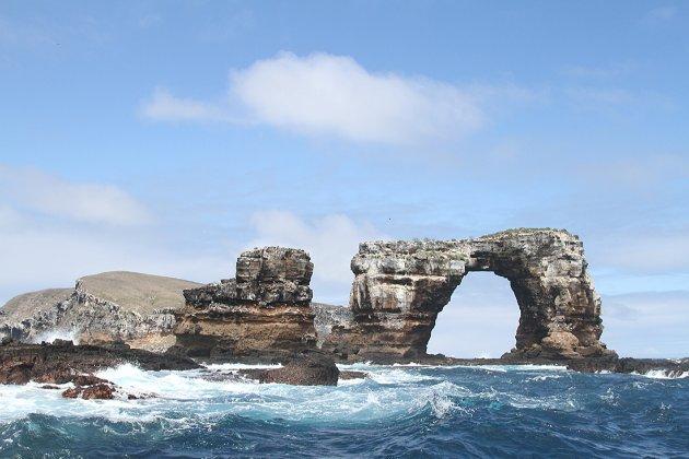 На Галапагоських островах від ерозії впала знаменита Арка Дарвіна