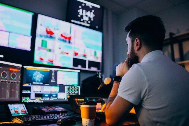 Зеленський схвалив створення в Україні телемережі Multiplex з 12 безкоштовними каналами