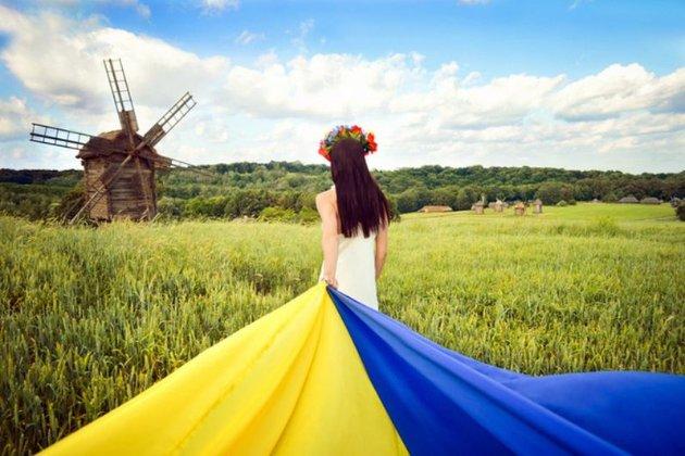 Уряд обіцяє покращити викладання української в школах і дубляж фільмів