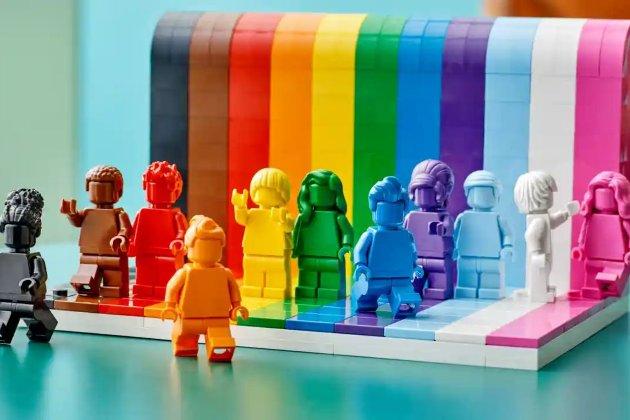 Lego випустить перший набір ЛГБТ-іграшок