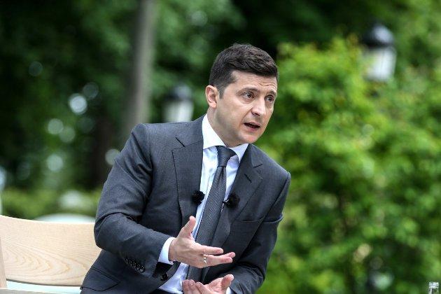 Зеленський ввів у дію санкції проти бойовиків, окупантів та «злодіїв у законі»