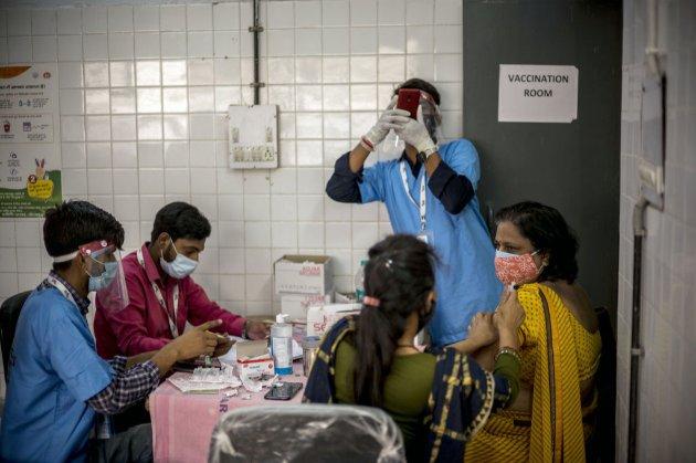 Індія продовжила заборону на експорт вакцин від COVID-19