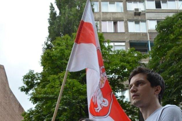 МВС Білорусі збирається проголосити біло-червоно-білий прапор нацистською символікою