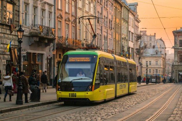«Дорожче, ніж у Києві». У Львові підвищилась вартість проїзду у громадському транспорті