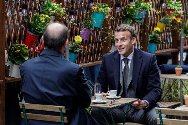 Будьмо! Макрон під український тост відсвяткував відкриття терас ресторанів (відео)