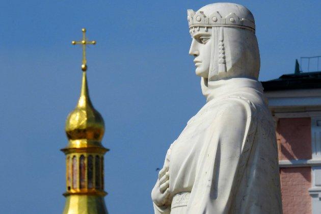 Фотоісторія: 25 років тому у Києві відкрили оновлений пам'ятник княгині Ользі