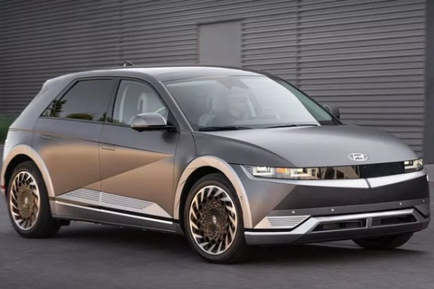 Hyundai показала автомобіль, який може заряджати інші електрокари