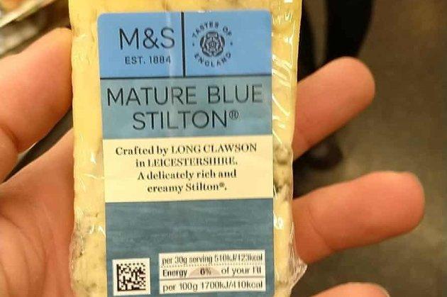 У Британії торговця наркотиками викрили завдяки фотографії сиру в сервісі повідомлень