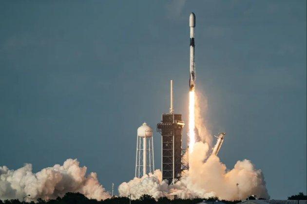 Сьогодні Space X запустить нову групу інтернет-супутників Starlink