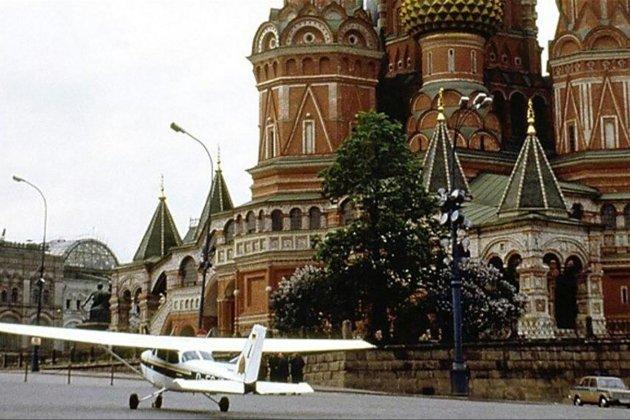 Фотоісторія. 28 травня 1987 року німець Руст на легкому літаку прибув з Хельсінкі просто на Красну площу