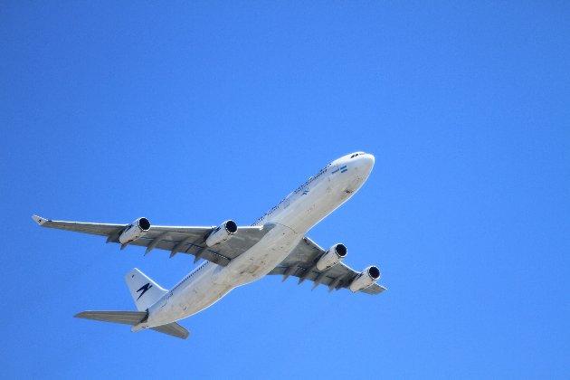 Росія не впускає в країну літаки, які оминають повітряний простір Білорусі