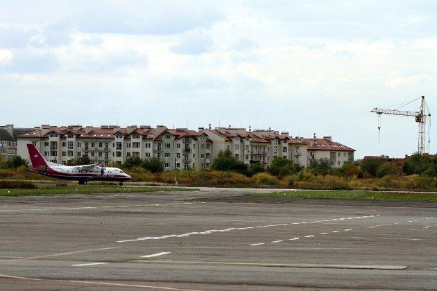 Аеропорт в Ужгороді запрацює з вересня. Його не використовували вже п'ять років