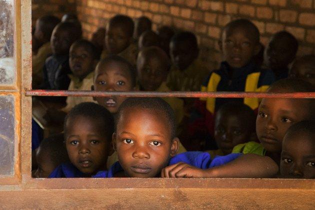 У Нігерії бойовики увірвалися в місто та викрали зі школи близько 200 дітей