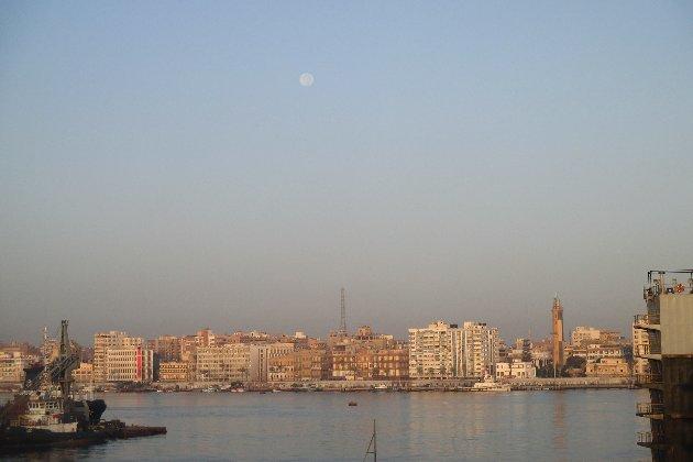 Суецький канал розширять після того, як у березні його на шість днів заблокувало судно