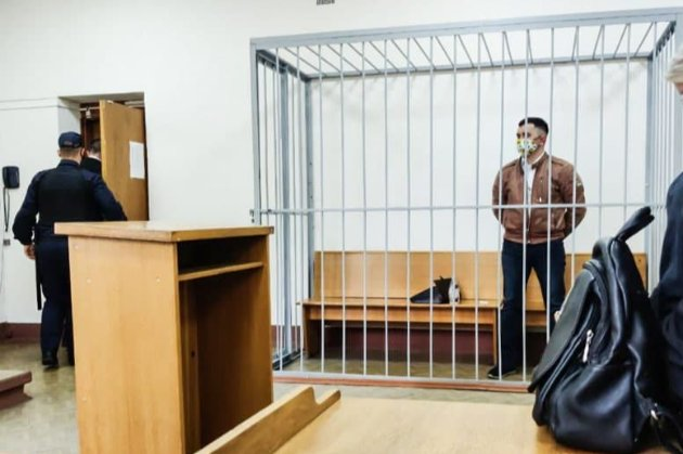 У Білорусі політв'язень на суді спробував покінчити з собою