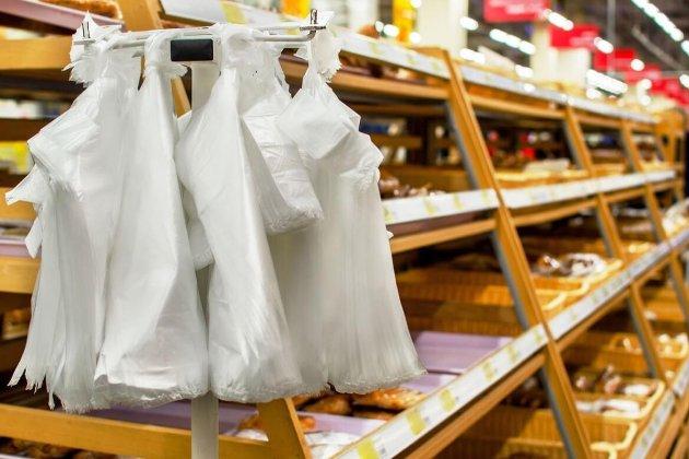 З 2022 року Україна може відмовитись від використання пластикових пакетів. Що передбачає закон