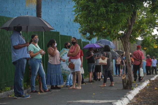 У Бразилії від COVID-19 вакцинували майже все доросле населення міста. Смертність впала на 95%