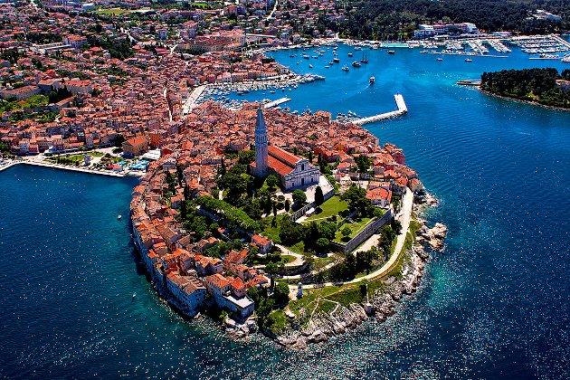 Хорватія оновила правила в'їзду для українських туристів. Що змінилось